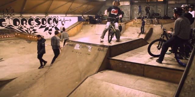 Jugendtreffpunkt: Skatehalle Dresden Reick