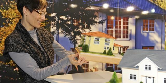 baumesse haus 2014 sicherheit energie und barrierefreiheit menschen in dresden. Black Bedroom Furniture Sets. Home Design Ideas