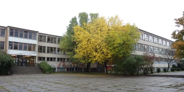 SPD und Linke wollen Standort in der Bioxberger Straße beibehalten. Alles andere würde zu weiteren Verzögerungen führen. Foto: W. Schenk