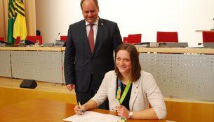 stadtrat-stipendienunterzeichnung_kriegerstein